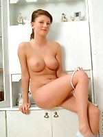 Malinka posing hot when she starts removes her clothes and shows her body